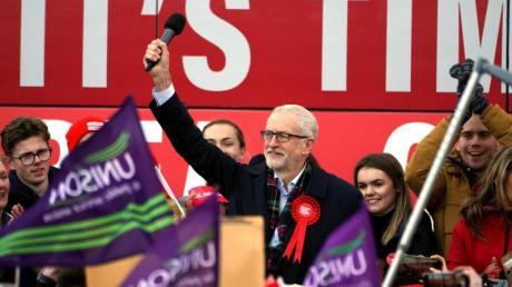 Labour-Chef Jeremy Corbyn im Wahlkampfendspurt: Laut Umfragen schrumpft der Vorsprung der Konservativen auf die Labour-Partei.