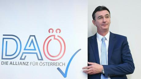 DAÖ-Gründer Karl Baron. Heinz-Christian Strache ist noch kein Mitglied der Partei, soll aber deren Spitzenkandidat werden.
