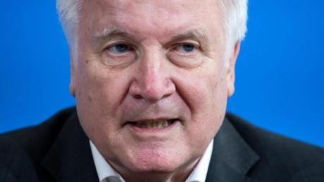«Es gibt die begründete Hoffnung auf eine Unterstützung unserer Ermittlungen und auf belastbare Hinweise von der russischen Seite», sagt Seehofer.