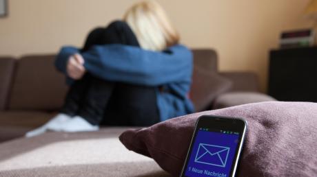 Cybermobbing ist belastend für die Betroffenen - und manchmal extrem schwer aufzuklären.