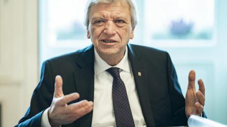 Volker Bouffier (CDU), Ministerpräsident von Hessen, will sein Land in Sachen Altschulden nicht im Nachteil sehen.
