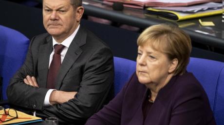 Vizekanzler Olaf Scholz (SPD) und Bundeskanzlerin Angela Merkel (CDU) im Bundestag.