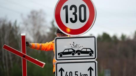 Die SPD will mit der Union über eine generelle Geschwindigkeitsbegrenzung von 130 Kilometern pro Stunde reden.