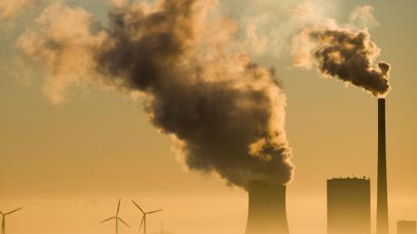 Das Kohlekraftwerk Mehrum in Niedersachsen. Das Thema Klimaschutz dominierte die Debatten im zu Ende gehenden Jahr.