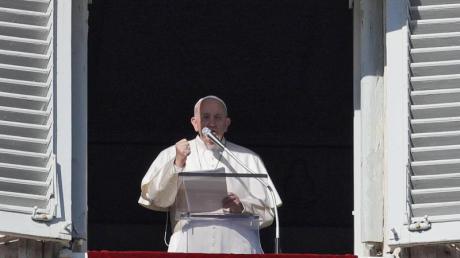 Papst Franziskus Papst Franziskus hat am Neujahrstag mehr Mitspracherecht von Frauen gefordert und Gewalt gegen sie als «Schändung Gottes» bezeichnet.