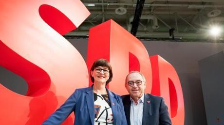 Saskia Esken und Norbert Walter-Borjans wollen ihre Partei aus dem Umfragetief führen.