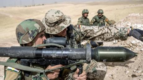 Die Bundeswehr bildet im Irak kurdische Peschmerga aus.