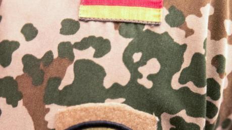Das Wappen der KTCC (Kurdistan Training Coordination) auf der Uniform eines im Irak stationierte Soldaten der Bundeswehr.