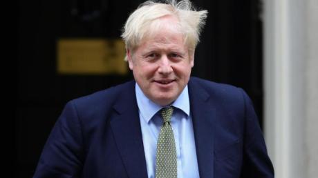 Boris Johnson, Premierminister von Großbritannien, vor seinem Amtssitz in der 10 Downing Street in London.