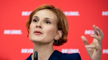 Linke-Chefin Katja Kipping fordert unter anderem eine bessere Bezahlung für Pflegekräfte.