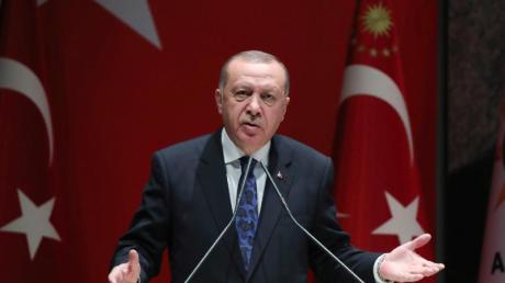 Recep Tayyip Erdogan soll an Gesprächen zur Lage im Bürgerkriegsland Libyen nachDeutschland kommen.