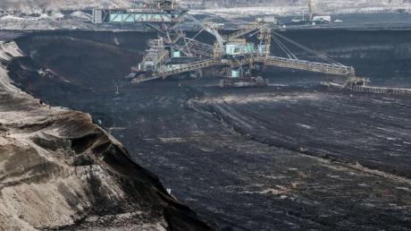 Braunkohle-Tagebau in Sachsen-Anhalt: Viele ohnehin arme Regionen Deutschlands werden vom Kohleausstieg schwer getroffen.
