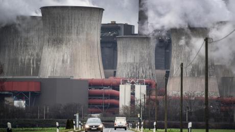 Im Jahr 2038 soll das letzte Kohlekraftwerk in Deutschland vom Netz gehen. Betroffen wäre auch diese Anlage im rheinischen Niederaußem.