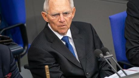 Schiedsrichter:Bundestagspräsident Wolfgang Schäuble ist für das Verhängen von Ordnungsrufen zuständig.