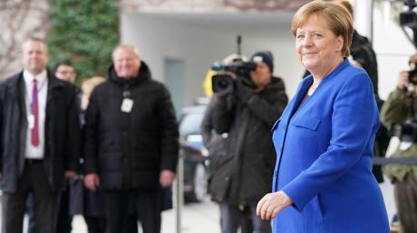 Eine ehemalige Kohl-Beraterin findet kaum ein gutes Haar an der Regentschaft von Kanzlerin Angela Merkel.