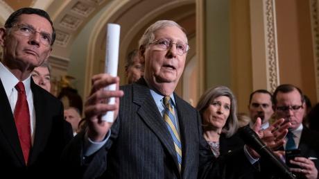 Drückt gnadenlos aufs Tempo: Der republikanische Mehrheitsführer im Senat, Mitch McConnell, will das Impeachment-Verfahren zugunsten von Donald Trump schnell abwickeln.