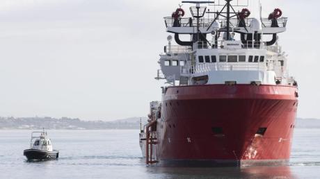 Das Rettungsschiff «Ocean Viking» im Oktober vor der italienischen Küste.