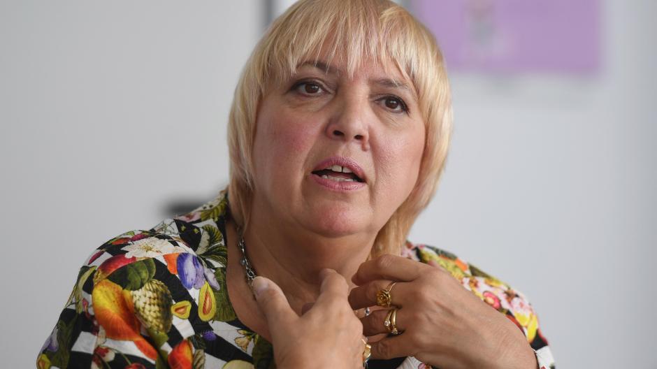 Claudia Roth ist seit 2013 Bundestagsvizepräsidentin. Sie findet, die Bundesregierung müsse gegen Rassismus in Deutschland Stellung beziehen.