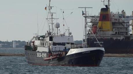 Das Rettungsschiff «Alan Kurdi» im November im Hafen von in Tarent in Süditalien.