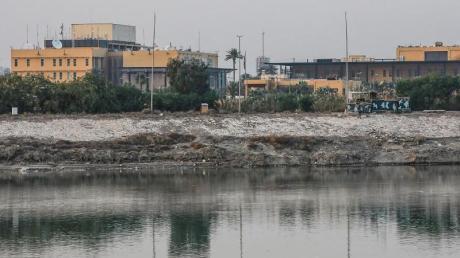 Blick auf die US-Botschaft am Ufer des Tigris.