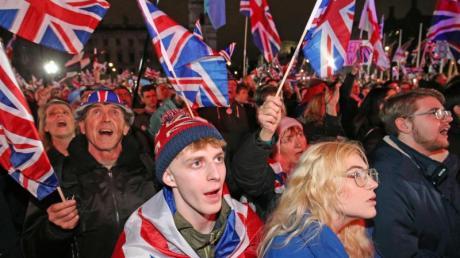 Brexit-Anhänger feiern in London das Ende der EU-Mitgliedschaft ihres Landes.