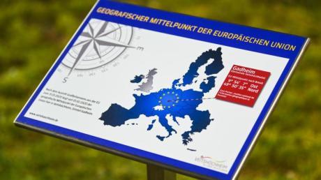Ein Feld in Gadheim in Unterfranken ist der geografische Mittelpunkt der neuen Europäischen Union.