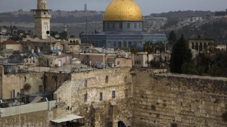 Israelis und Palästinensern heilig: der Tempelberg in Jerusalem mit der Klagemauer und dem Felsendom.