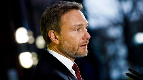 """FDP-Chef Christian Lindner ist am Dienstagabend Gast bei der Video-Premiere von """"Augsburger Allgemeine Live"""". Unter anderem wird es um die Corona-Krise und mögliche Lockerungen gehen."""