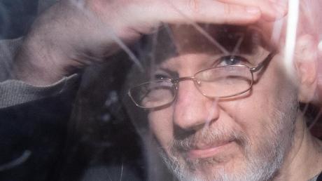 Wikileaks-Gründer Julian Assange im November 2019 in London nach einer Anhörung zum Auslieferungsgesuch der USA.