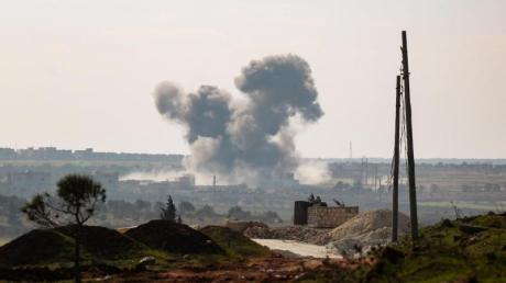 Syrische und russische Angriffe haben jüngst erneut Hunderttausende Menschen in die Flucht getrieben.