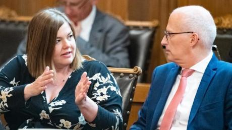 Derzeit sieht es eher nach Rot-Grün als nach Grün-Rot aus: Hamburgs Erster Bürgermeister Peter Tschentscher (SPD) und seine Koalitionspartnerin Katharina Fegebank (Grüne).