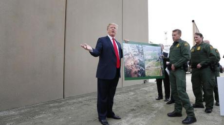 Donald Trump wirbt für den Bau der Grenzmauer, einem seiner zentralen Wahlversprechen.