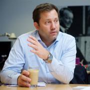 """SPD-Generalsekretär Lars Klingbeil: """"Es wird von uns in dieser Legislaturperiode keine Stimme für eine andere Kanzlerin oder einen anderen Kanzler außer Angela Merkel geben."""""""