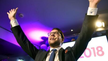 Jimmie Akesson, Vorsitzender der rechtspopulistischen Schwedendemokraten, feiert auf der Wahlparty seiner Partei.