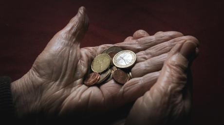 Ab 2021 sollen Rentner mit niedrigen Altersbezügen, die viel gearbeitet haben, die Grundrente bekommen.