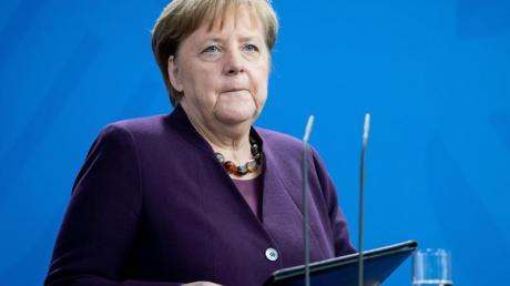 Angela Merkel hat zusammen mit ihrem Rückzug vom CDU-Vorsitz bereits im Oktober 2018 angekündigt, dass sie nicht für eine weitere Amtszeit im Kanzleramt zur Verfügung steht.