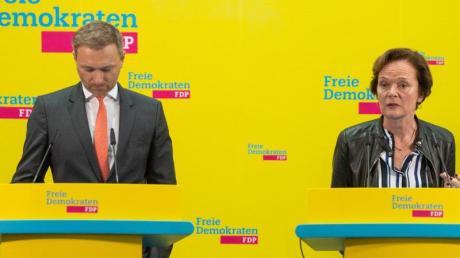 Gesenkte Köpfe: FDP-Chef Christian Lindner und die Hamburger Spitzenkandidatin Anna von Treuenfels-Frowein.