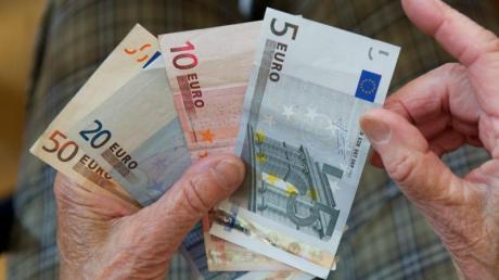 Laut einer Studie variiert die Kaufkraft der Renten in Deutschland je nach Region stark. In Bayern ist das Leben im Alter besonders teuer.