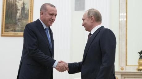 Handschlag in Moskau: der türkische Präsident Recep Tayyip Erdogan und sein russischer Amtskollege Wladimir Putin.