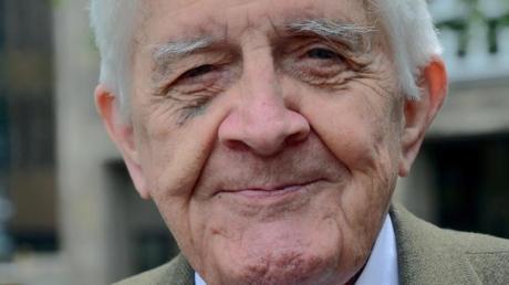 Der FDP-Politiker und frühere nordrhein-westfälische Innenminister Burkhard Hirsch ist tot.