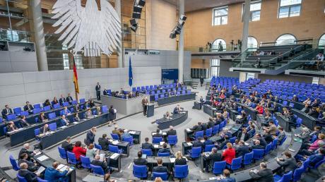 Die Koalition hat am Donnerstag im Bundestagdas Gesetz gegen Rechtsextremismus und Hasskriminalität auf den Weg gebracht