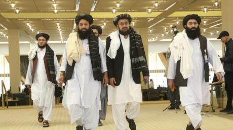 Taliban-Delegation in Doha: Dort hatten die militanten Islamisten und die USA am 29. Februar ein Abkommen geschlossen, das einen Abzug aller US- und internationalen Truppen aus Afghanistan vorsieht.