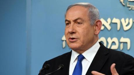 Die Generalstaatsanwaltschaft wirft Regierungschef Netanjahu Betrug und Untreue sowie Bestechlichkeit vor. Gegner bezichtigen ihn der Manipulation der Öffentlichkeit.