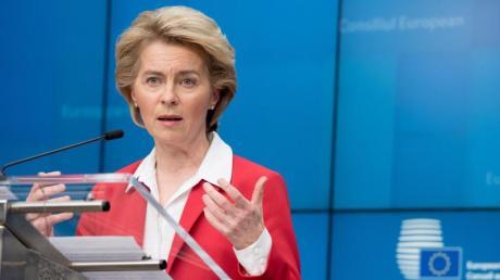 Ursula von der Leyen spricht während einer Pressekonferenz. Zur Eindämmung des neuartigen Coronavirus haben Deutschland und die anderen EU-Staaten ein weitreichendes Einreiseverbot für Bürger der allermeisten Nicht-EU-Staaten vereinbart.