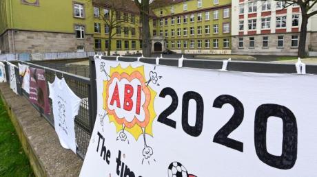 Abi 2020 - in Bayern werden die Prüfungen wegen des Coronavirus auf dem 20. Mai verschoben.