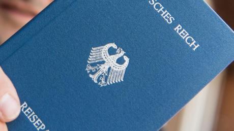 Seehofer verbietet eine Reichsbürger-Gruppe.