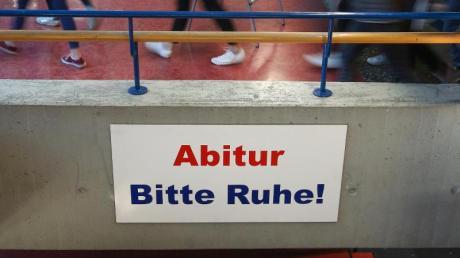 Die Abiturprüfungen sollen wegen der Corona-Krise in Schleswig-Holstein abgesagt werden.