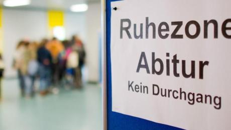Eine Absage der Abiturprüfungen wird es nun möglicherweise in Schleswig-Holsten doch nicht geben.