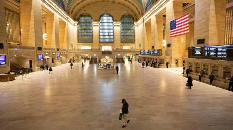 Der Grand Central Terminal in New York gilt als der Bahnhof mit den weltweit meisten Gleisen. Hier ist sonst, erst recht zu früher Stunde, der Teufel los.