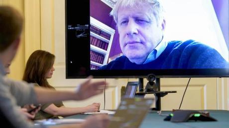 Der britische Premierminister Boris Johnson musste sich in häusliche Isolation zurückziehen, nachdem er positiv auf das Coronavirus getestet worden war.